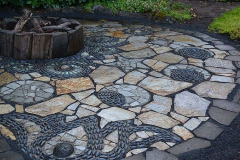 Mosaic Patio 94
